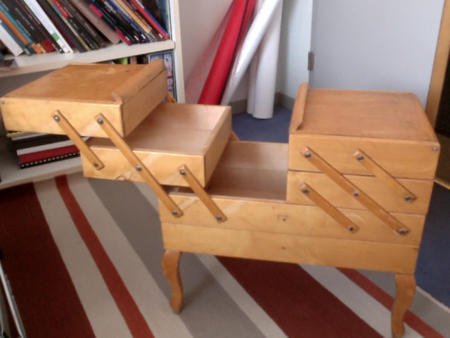 Sewing box on legs